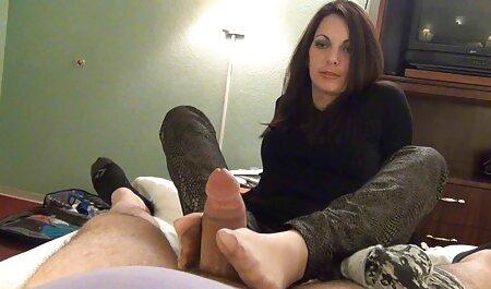 L'homme rencontré un amoureux pour porn fille vierge faire l'amour devant la caméra.