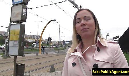 Copine Sexy permet à un mec de porno femme et chien les voler quand il s'agit de