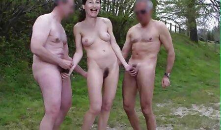 Baisé une jolie fille porno fille petit dans le cul.