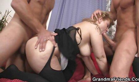 Blonde avec de gros femme enceinte porno seins sera baisée par brunette