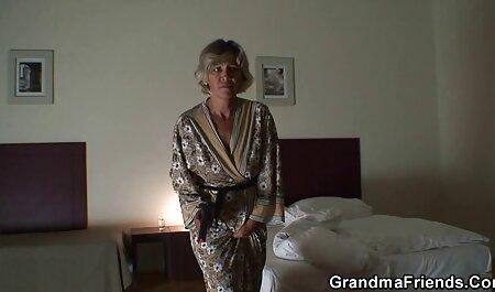Noir choquant une porn belle mere jeune blonde avec un pénis de mammouth