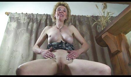 Blonde xxx black lesbienne suce avec passion.