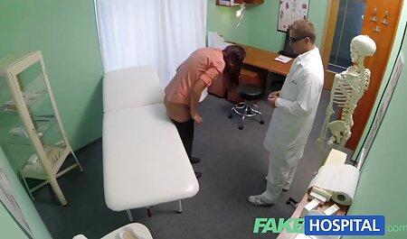 Femme adulte séduite par femme petite taille porno anal