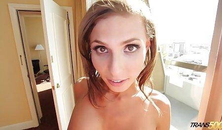 J'enregistre le sexe avec une porno sa fille fille jusqu'à ce qu'elle voit