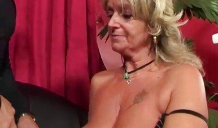 Le nues xx goût du vagin d'une femme