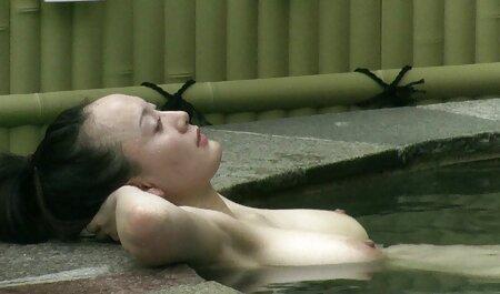 Cul porno chien femme Serré Asiatique Sexy