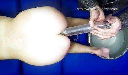 La blonde baisée à un orgasme et avec femme porno avec cheval l'appétit sur le ventre