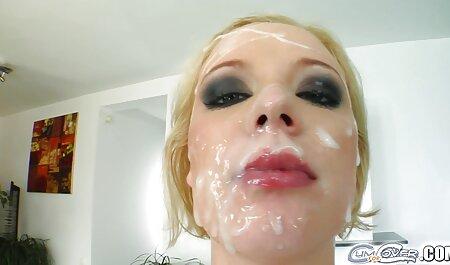 Maman porn robe demande du sexe rugueux.