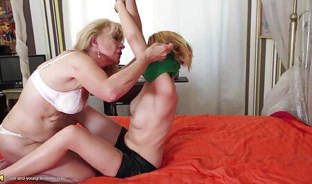Scène adulte taquinant un homme avec fille vierge porn une moustache en gangbang.