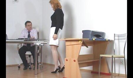 En plus d'avoir des relations sexuelles avec une porno cheval femme fille à la caméra