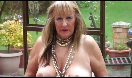 Adulte Dame porno gratuit avec chien apprend jeune beauté.