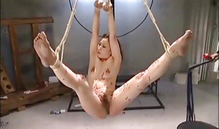 La jolie fille xxx blonde a connu un double plaisir des jouets sexuels.