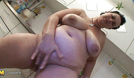 Mec Black s'amuse porno femmes de ménage avec une asiat