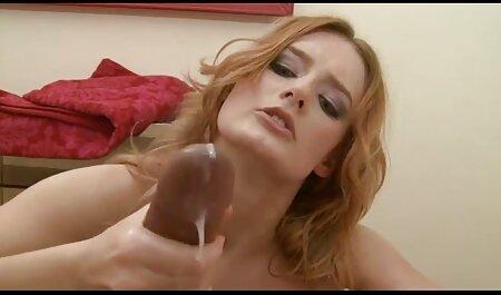 Asiatique pute foré par deux bites noires porno de femme et chien